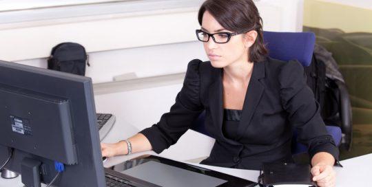 Jak wybrać biuro księgowe? 5 sposobów na to, żeby uniknąć bólu głowy i kar z urzędu skarbowego
